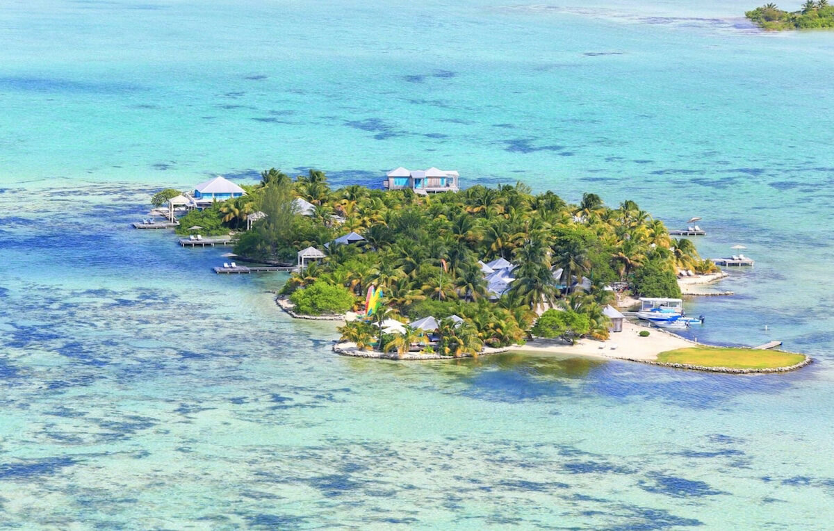 Rent your own private island at Cayo Espanto!