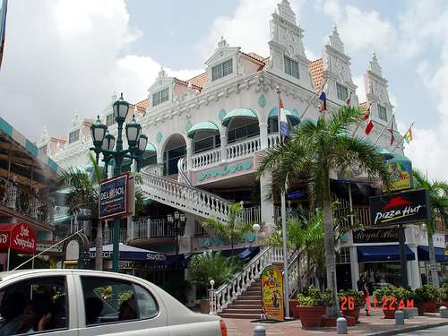 Shopping in Oranjestad