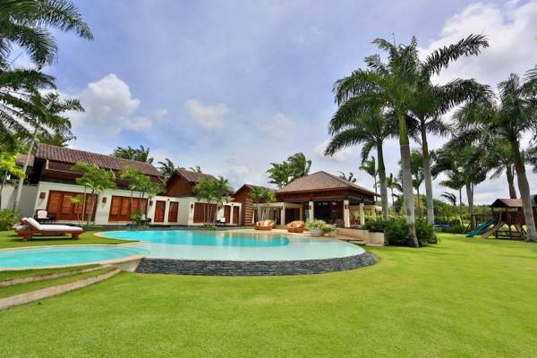 Las Palmas 22 is located in Casa de Campo and has a great pool