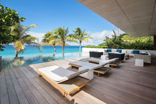 Wake Up Villa is located on the beautiful Flamands Beach