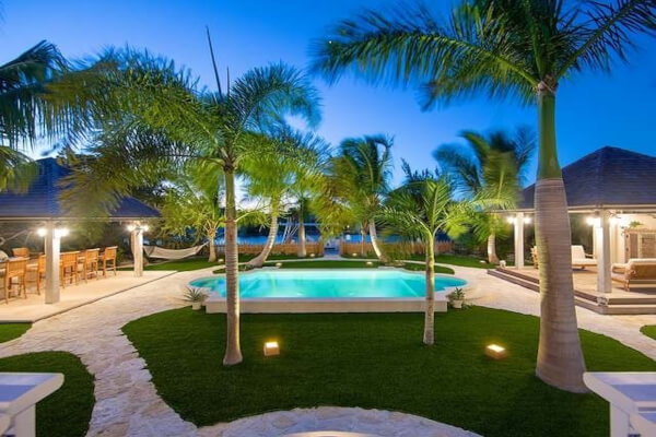 Acajou Villa has a magical backyard