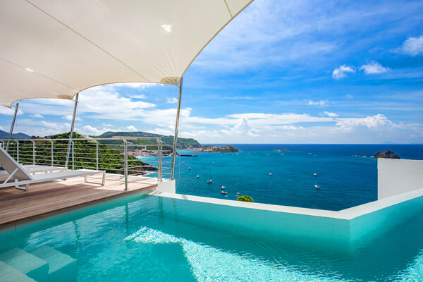 Villa Passage overlooks the Caribbean from the Corossol hillside