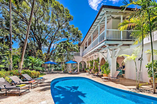 Sand Dollar Villa has a beautiful pool and entertainment patio