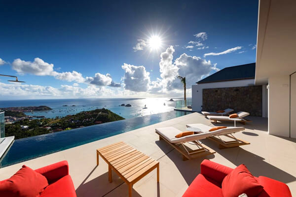 D\'Zir Villa offers amazing views over Gustavia Harbor