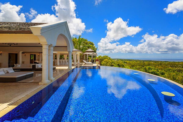 Kailani has an amazing infinity edge pool and tropical views to the ocean