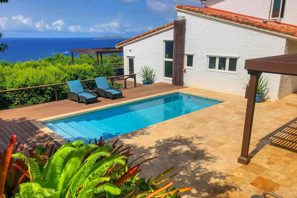 Dragonkey Villa is located in Mahogany Run overlooking the Caribbean