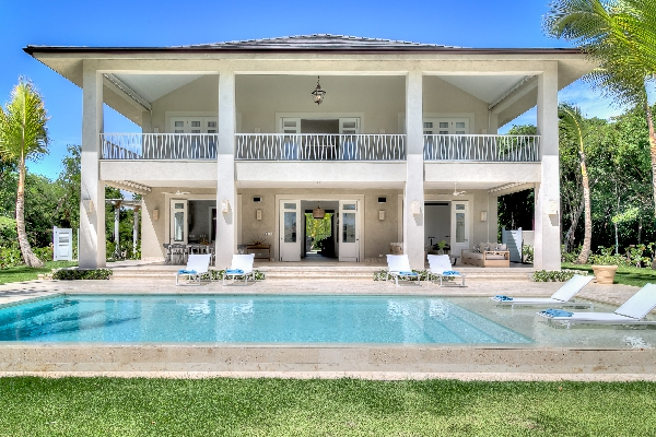 Villa 3 Palmeras is located on the golf course in the Punta Cana resort