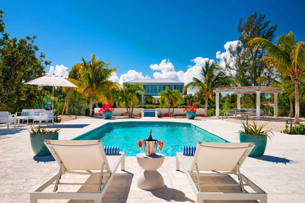 Seagrace Villa is located on the Ailla Canal in the gated community of Leeward