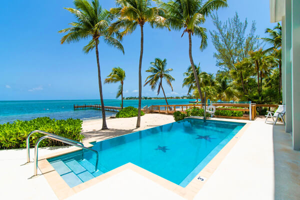 Abita Kai is located on a beautiful stretch of white sand beach in Cayman Kai