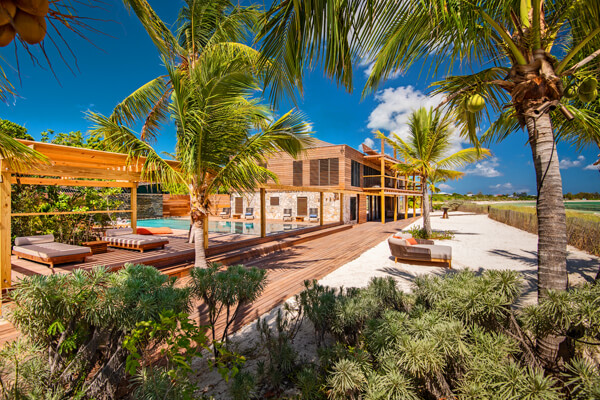 Silver Sands Villa is located along Thompson's Cove on the world famous Grace Bay