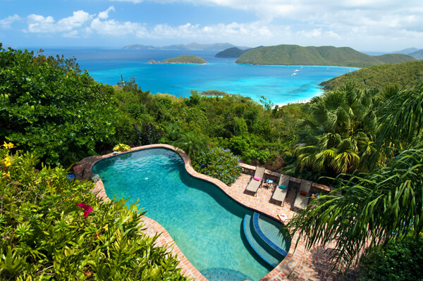 Hakuna Matata is located in the Catherineberg Estate overlooking Cinnamon Bay