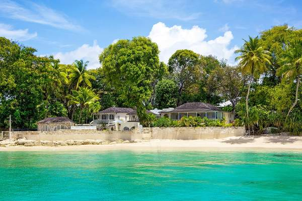 Amazing beachfront property of Landfall Villa