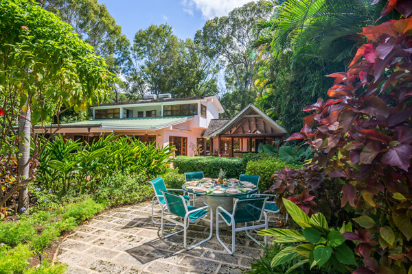 Thespina Villa is located in Holetown right on the beach nestled in tropical foliage
