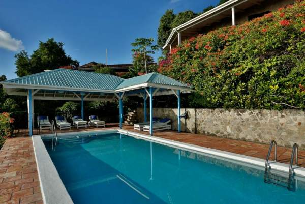 Tamarind House features a large lap swimming pool