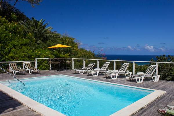 Dragonfly Villa offers great views overlooking the Caribbean