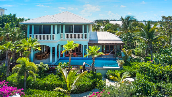 Pelican\'s Nest Villas - Cinnamon is located near Grace Bay Beach