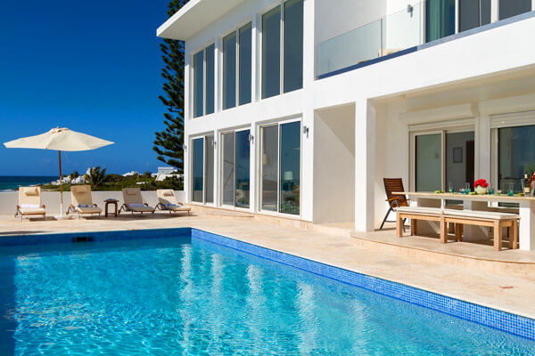 Vista Villa has a beautiful private pool and great ocean views