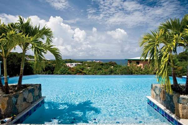 The pool view of the ocean from Azula Vista villa!