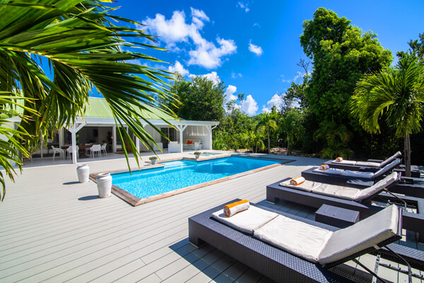 Monchal Villa is located just a short distance from Plum Bay Beach