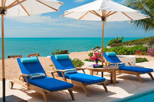 Lounge by the ocean front pool at La Percha