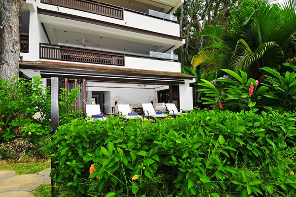 Coral Cove 1 has a great patio to lounge on and enjoy the tropical atmosphere