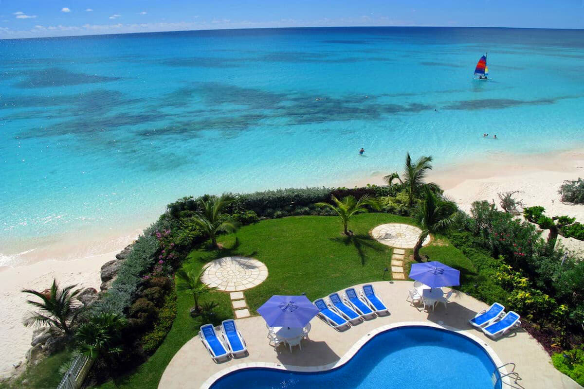 Amazing Views Of The White Sandy Beach From Balcony At Maxwell 501