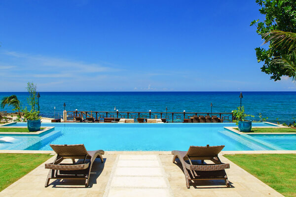 Living up to it\'s namesake - Aqua View Villa enjoys amazing views of the Caribbean