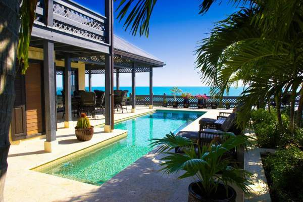 Villa Seacliff is very private and just around the corner from Taylor Bay Beach