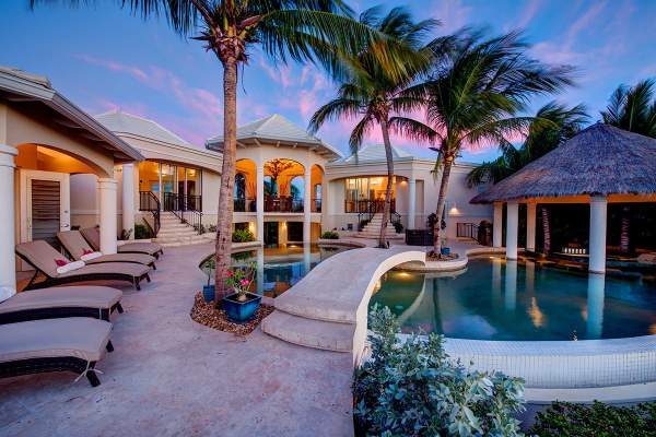 Beautiful resort-like pool and landscaping at Avalon Villa