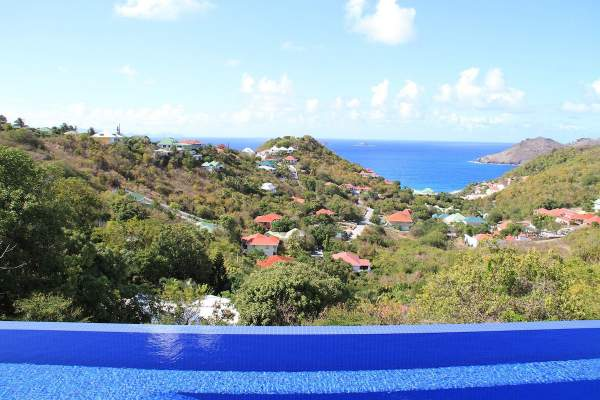 Amazing view of Flamands Bay from the infinity edge pool
