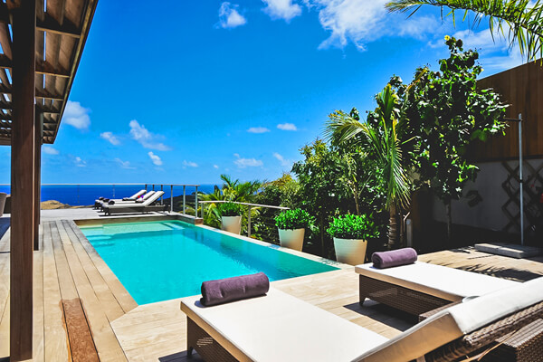 Casa Tigre Villa has beautiful Caribbean views