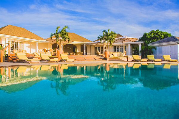 Venusville Villa has a beautiful pool and deck for entertaining