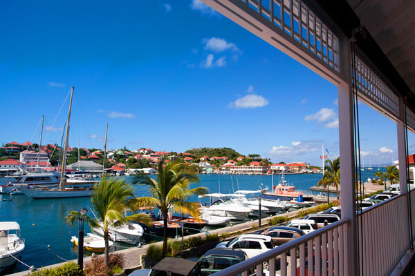 Suite Harbour Apartment is located in in the center of the action at Gustavia Harbor
