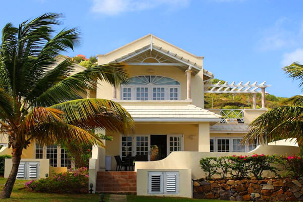Fairwind Villa is located very near to the St. Lucia golf club