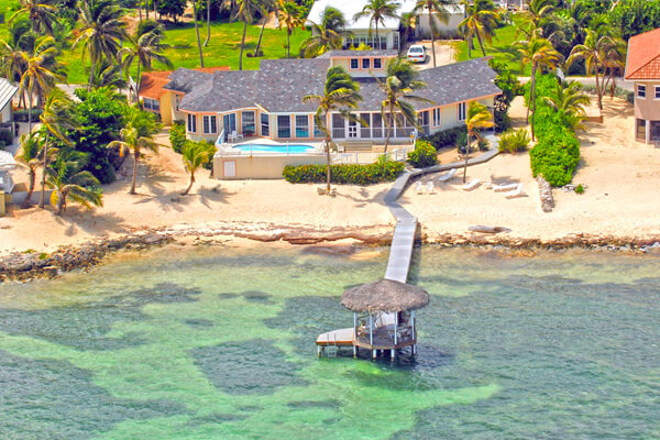 Far Tortuga Villa is on the north side of Grand Cayman, on the way to Rum Point