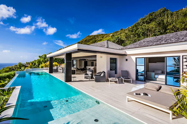 Rose Dog Villa has a beautiful infinity edge pool