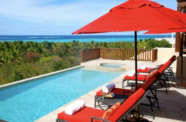 Dream Catcher Villa is located less than a mile from Shoal Bay Beach