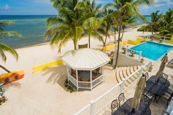 Fischer's Reef Villa is located right on the beach