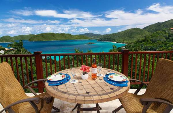 Alfresco Dining on the Honeymoon Suite Deck